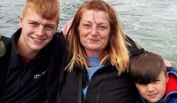 Single Mother With Terminal Cancer Makes Bucket List With Sons