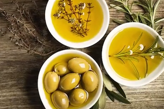 Woman stuffs olives while getting tumor removed from her brain